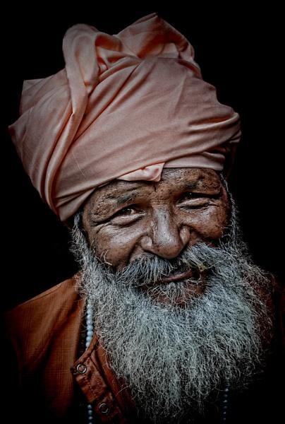 smiling pilgrim by sawsengee