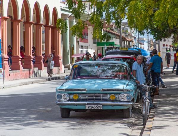 Classic Car, Cuba by iajohnston