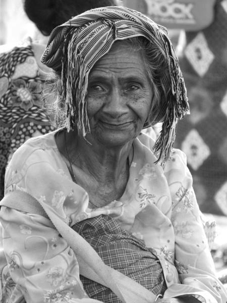 West Timor market lady ... by chrisdunham