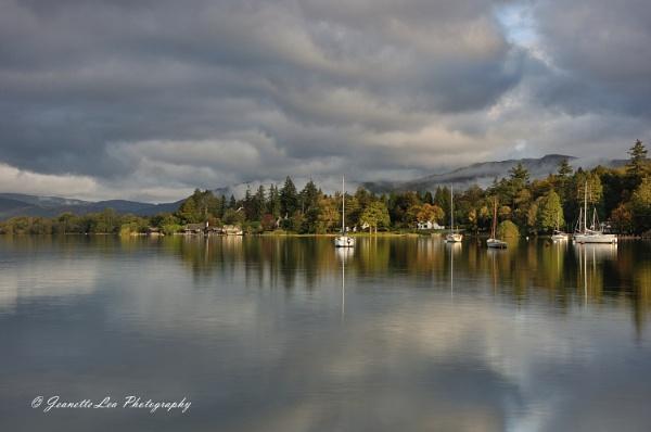Early Light on Windermere Lake by janlea