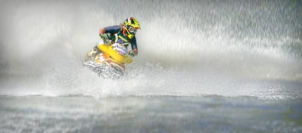 Jet skier by deavilin