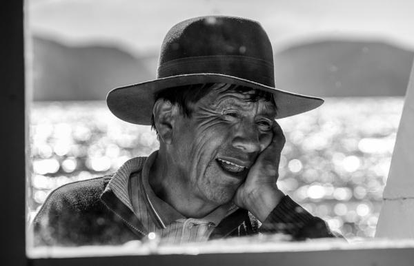 Boatman Lake Titicaca by Backabit