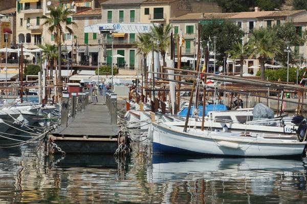 Port de Solle by PeterAS