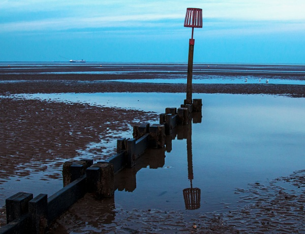 Sea Groyne Cleethorpes by Janetdinah