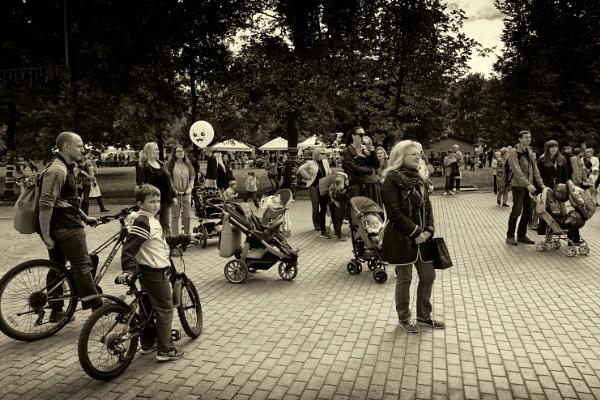 audience by leo_nid