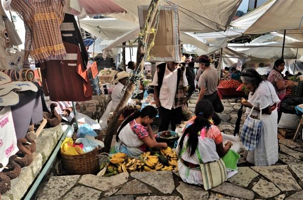Sunday bazaar by pedromontes