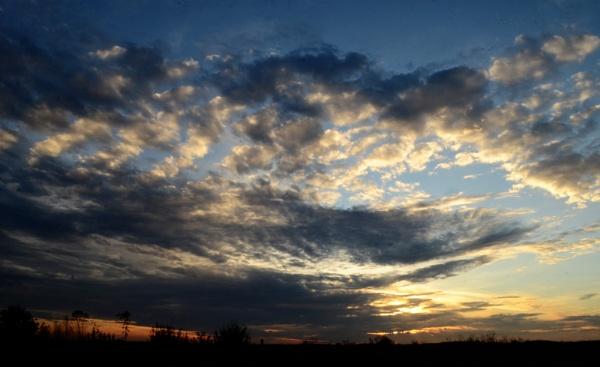 Autumn sky countryside by cdnikon