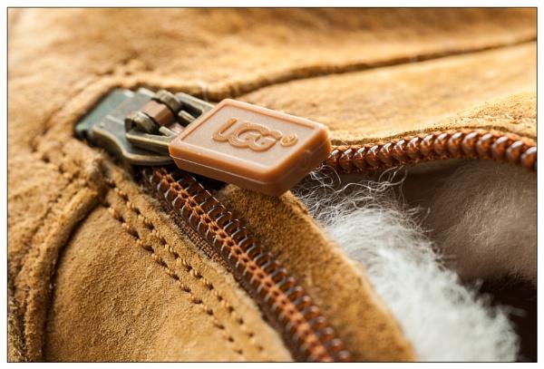 Ugg Zip by EddieAC
