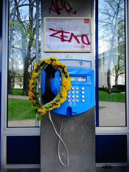 Romantic telephone by Sony2