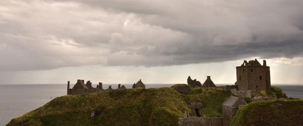 Dunnottar Castle by harshadjoshi