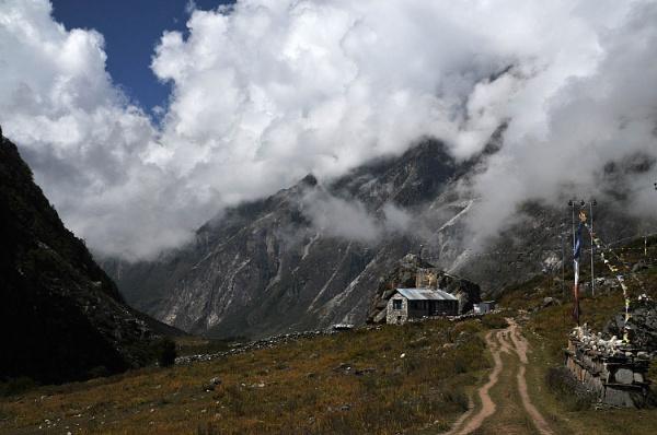 Langtang Valley by viscostatic