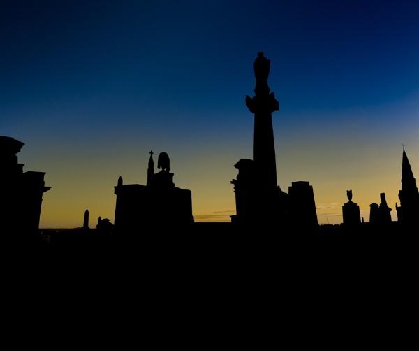 Glasgow necropolis in silhouette by Craigie10