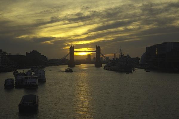 Sunrise HDR by davetac