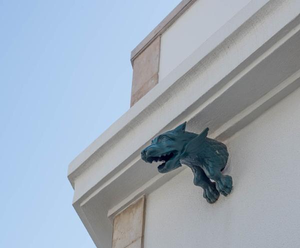 Wolf? Griffon? by HarrietH