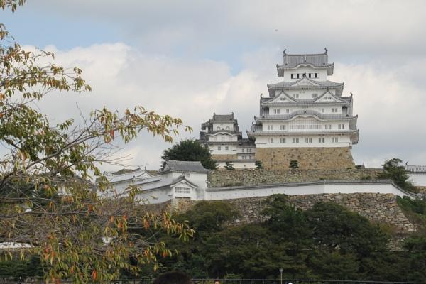 Himeji Castle by DARATCLIFFE