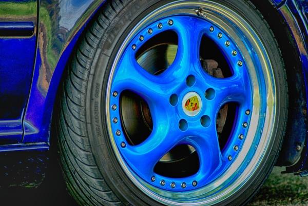 Bright blue by KrazyKA