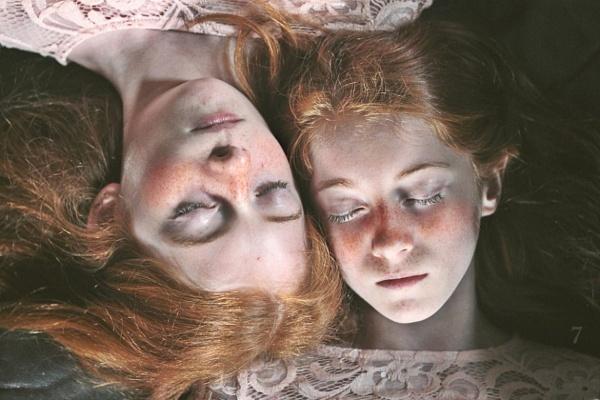 Sisters by ZuzuValla