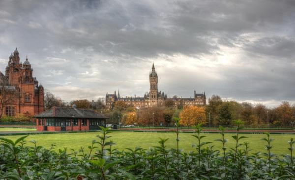 Kelvingrove In Autumn by digital_boi