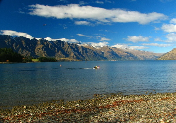 Lake Wakatipu 20 by DevilsAdvocate