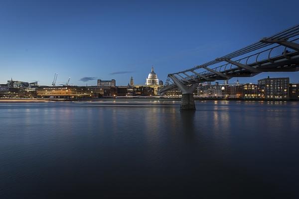Twilight Thames Clipper by davetac