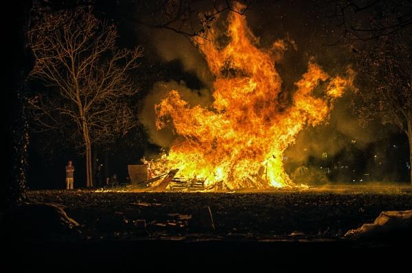 Burn Baby Burn....disco inferno by markst33