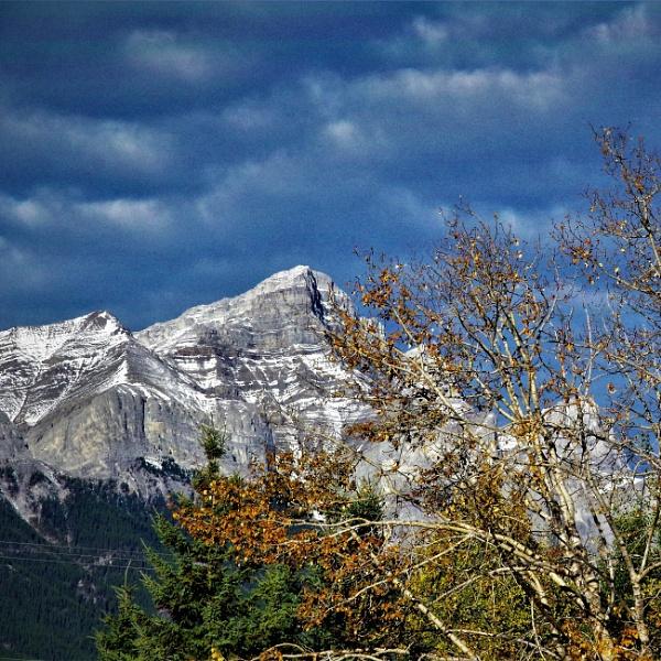 Fall in the Rockies by Friendlyguy