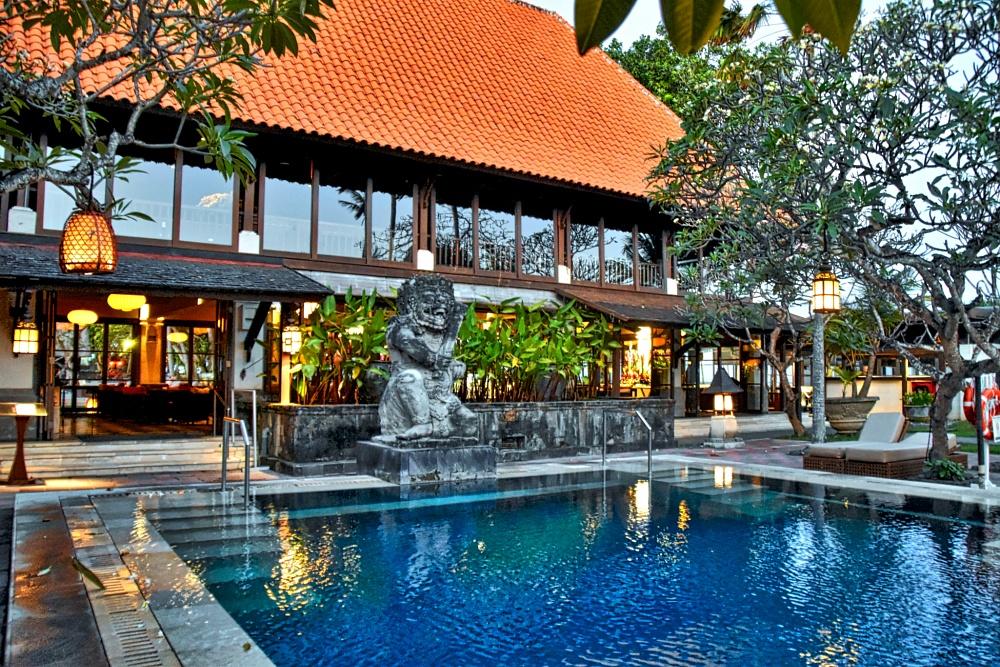 hotel pool by westernred