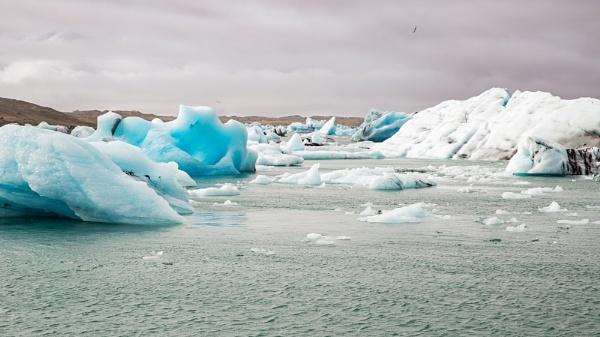 Jokulsarlon glacier lagoon by pdunstan_Greymoon