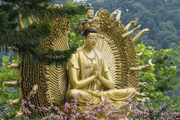 Buddha by manicam