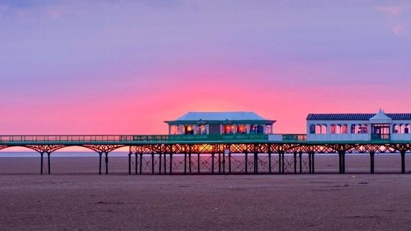 Pier by victorburnside