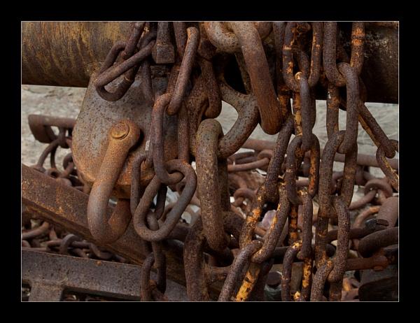 Rusty Chains by BobDraper
