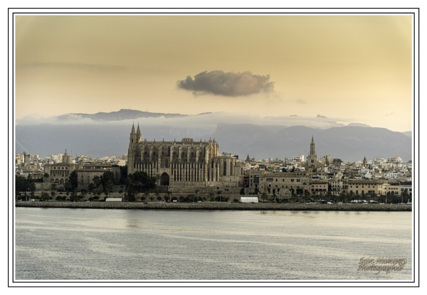 Palma Cathedral dawn by IainHamer