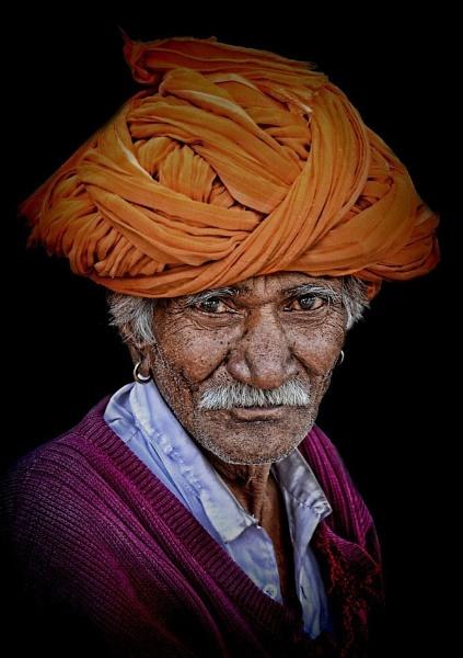 Old Rajasthani Farmer by sawsengee