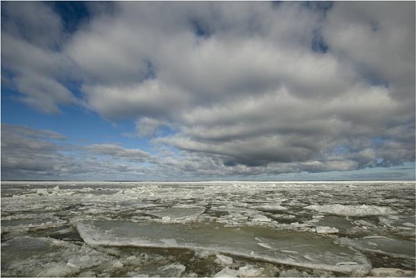 Arctic landscape by norwag