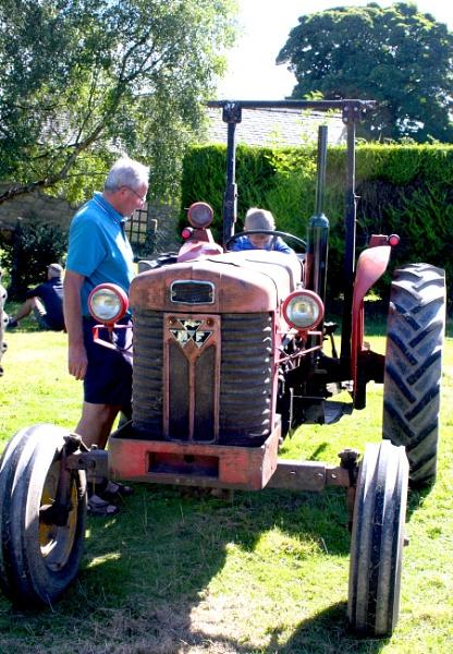 Tractor by ddolfelin