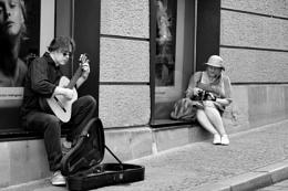 *** Guitar Vs Camera ***