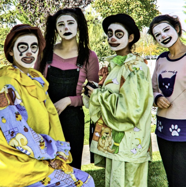 Clown Girls by nonur