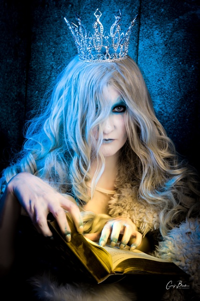 Snow Queen by MonochromeTear