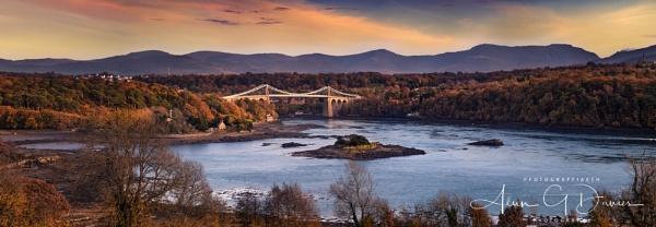 Pont Menai by Tynnwrlluniau
