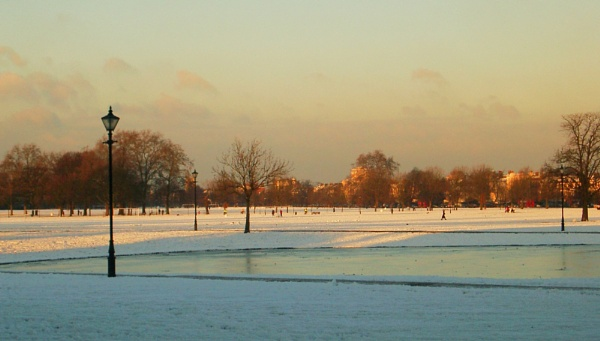 Clapham Common in the snow by StevenBest