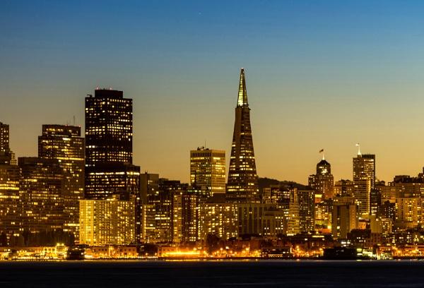 San Francisco skyline by paynets