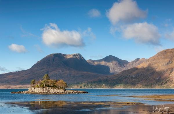 Eilean Chasgaig... by Scottishlandscapes