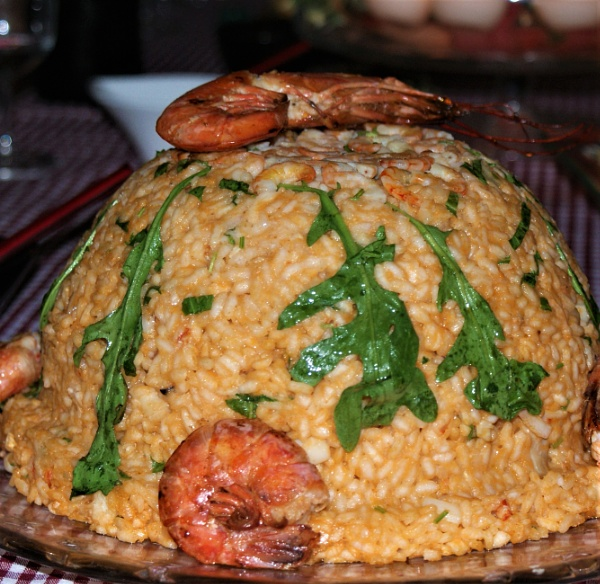 Rice dome with prawns