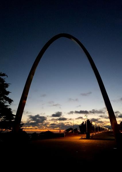 Folkestone Memorial Arch by nickyv32