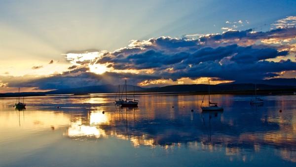Blue light on the Loch by altosaxman