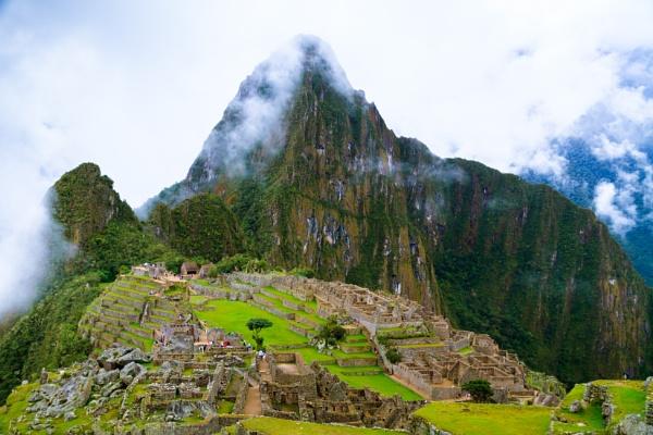 Machu Picchu by bobbyl