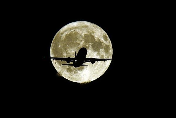 night flight by StevenFenton