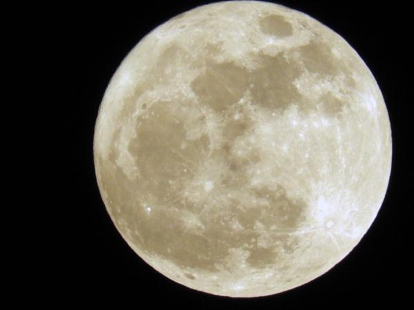 Super Moon by Savvas511
