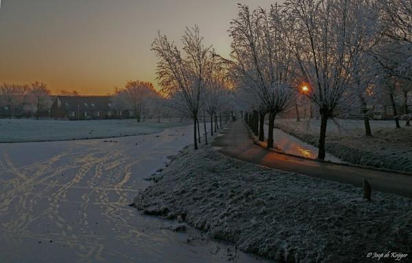 Winter sunrise by joop_