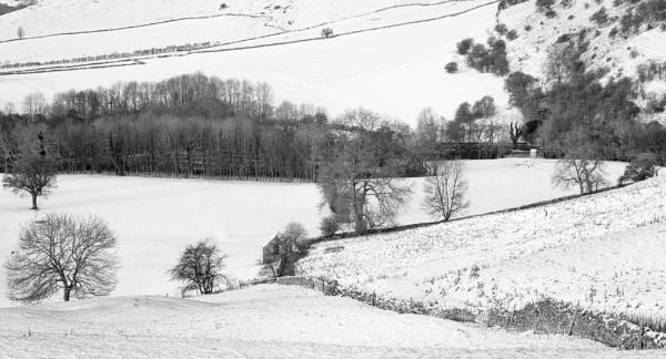 Peaks Snow Scene by jasonrwl